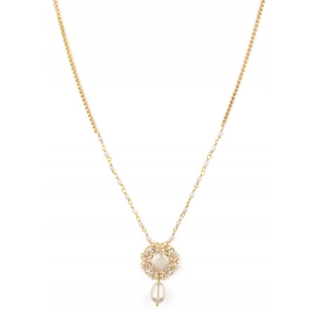 Ethnic necklace in golden metal with fresh water pearls | White