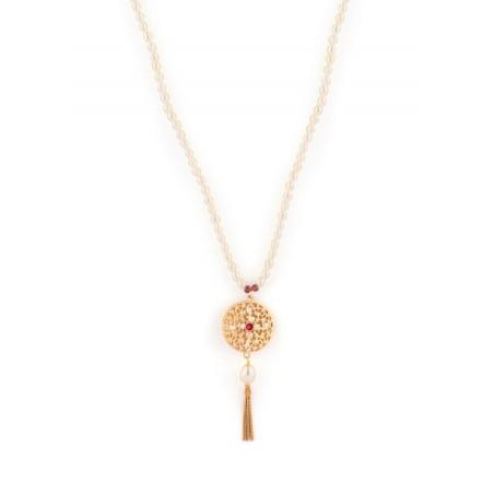Collier mi-long tendance perles de rivière et grenats | Perle