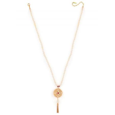 Collier mi-long tendance perles de rivière et grenats | Perle71621