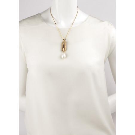 Collier mi-long glamour perles de rivière et grenats | Perle71630