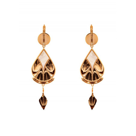 Fashionable feather and mother-of-pearl sleeper earrings | brown