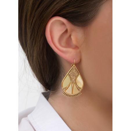Boucles d'oreilles dormeuses sophistiquées nacre et métal   jaune84657