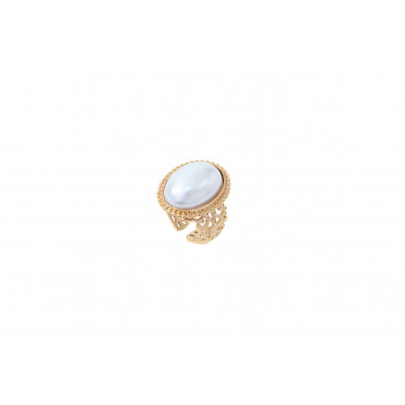Sophisticated mother-of-pearl cabochon adjustable ring I white